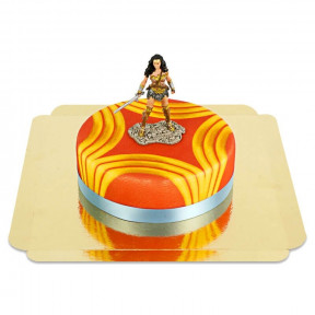 Wonder Woman On Power Cake (Medium)