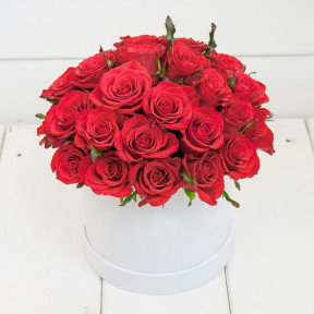 Flower Box Classic Red Roses (Small)