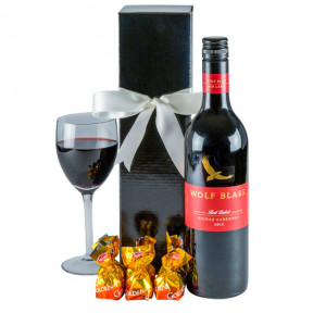 Robust Red - Red Wine Gift Hamper