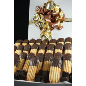 Chocolate Dipped Treats - Cake Hamper