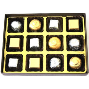 Luxury Red Small - 12 chocolates