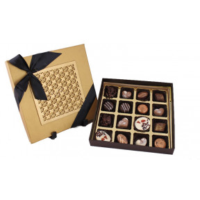 laser top box 16 Signature pralines